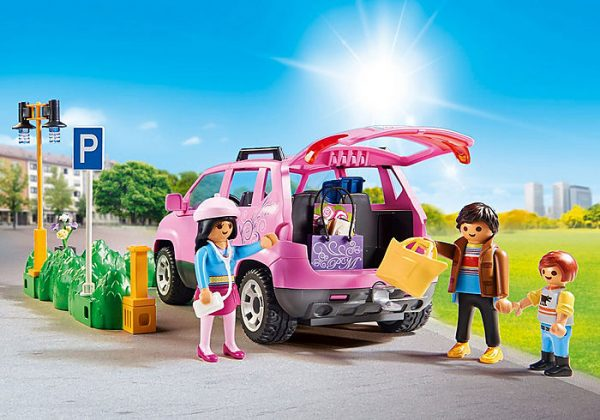 Playmobil City Life 9404 Family Car with Parking - image 9404_Family-Car-with-Parking-Space_2-600x420 on https://pop.toys