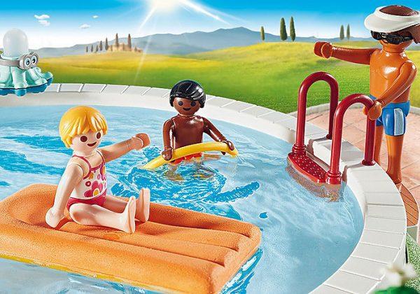 Playmobil Family Fun 9422 Swimming Pool - image 9422_Swimming-Pool_4-600x420 on https://pop.toys